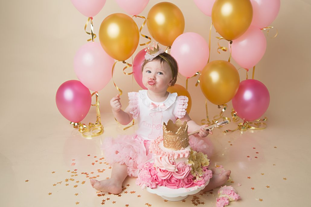 Glasgow Cake Smash - pink and gold balloons